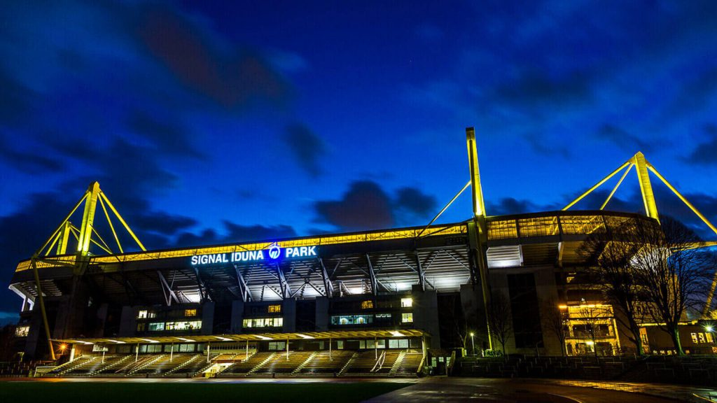 Signal Iduna Park night